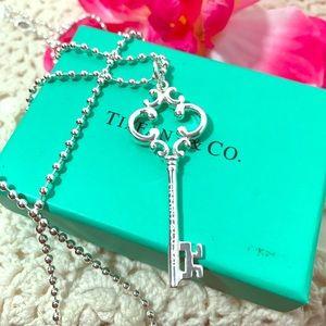 Tiffany & Co. Key & beaded chain .925 sterling 🦋